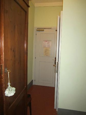 Hotel L'Antico Pozzo: ingresso della camera
