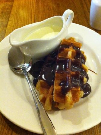 Premier Inn London Hanger Lane Hotel: dinner! Belgian waffle!