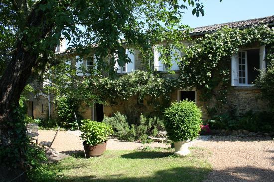 Hotel de Charme La Maison des Peyrat: facade