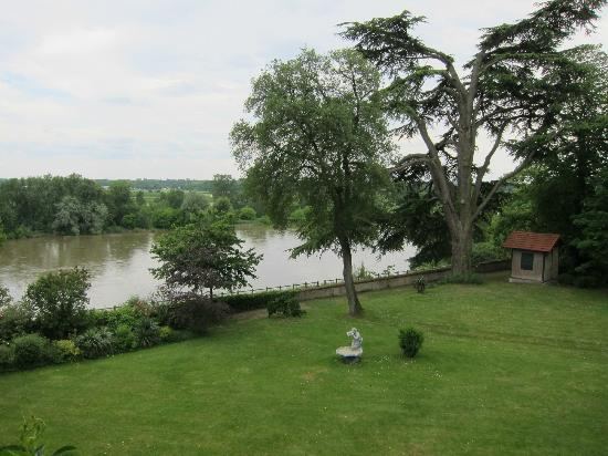 Orleans Parc Hotel : The Loire from room 302