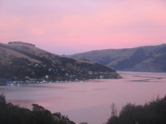 Akaroa Cottages - Heritage Collection: Sunrise view from our balcony