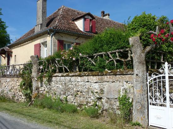Domaine de Bellevue Cottage - chambre d'hôtes bnb, cabane dans les arbres, gite à Bergerac: Espace Extérieur