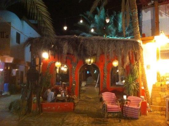 Jay's Restaurant: Jays at night