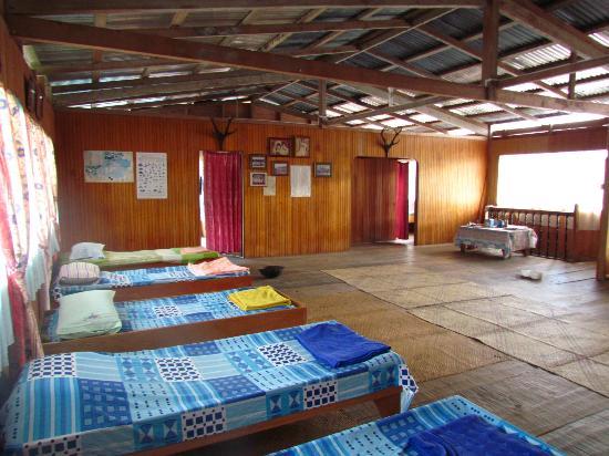 Batu Ritung Lodge: Dorm and rooms