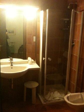 Bagno foto di hotel villa gabriele d 39 annunzio firenze for Bagno d annunzio