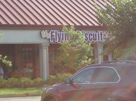 The Flying Biscuit Cafe: Exterior not as nice as interior