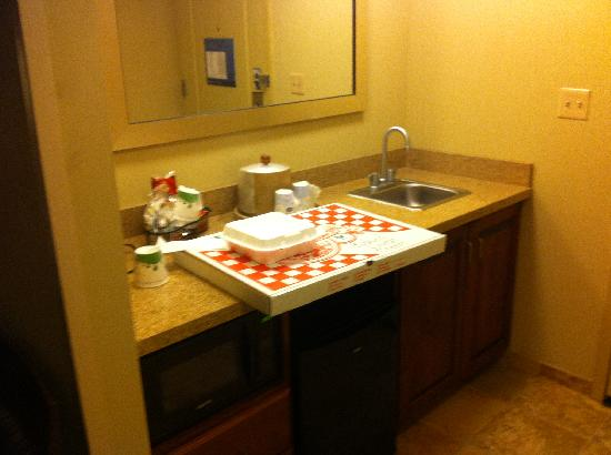 Hampton Inn & Suites Exmore - Eastern Shore: Having 2 sinks really helped with 4 people