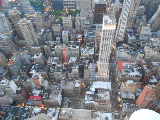New York City wordt gezien als het financiële centrum van het rijke cbbhreview.ml de aanwezigheid van de Amerikaanse beurs wordt de wereldeconomie voor een redelijk deel gestuurd vanuit de Big Apple.