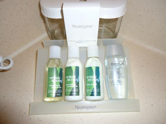 Hilton Garden Inn Denver Airport: Provided toiletries