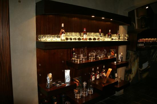 Van Ryn's Distillery : Brandy Schrank