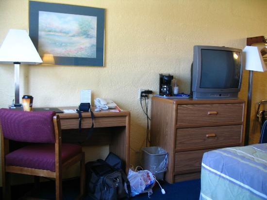 Motel 6 Moline, IL: Room View 2