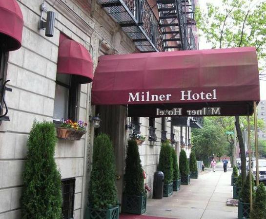 Milner Hotel: ホテル入口