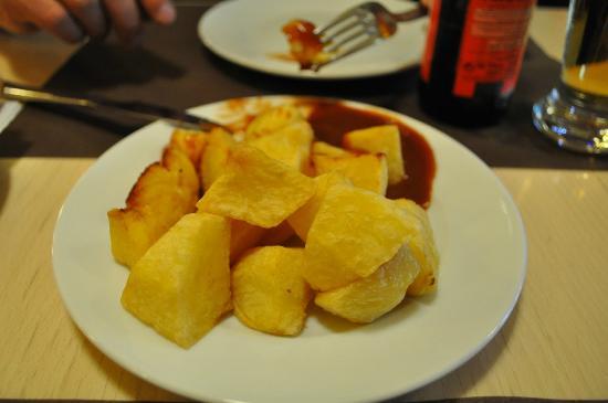 Casa Joan : Patatas bravas