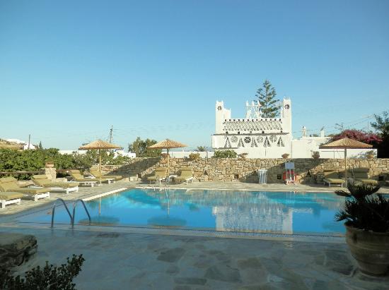 Vienoula's Garden: pool