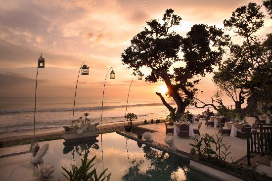 The Seminyak Beach Resort & Spa: Dinner at Sunset Lounge