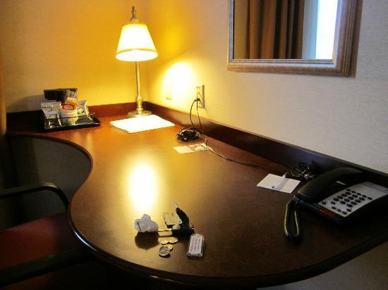 Hampton Inn Indiana : Desk