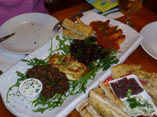 LA RUSTICA Mediterranean Restaurant: Mezze Journey & Trio Dips