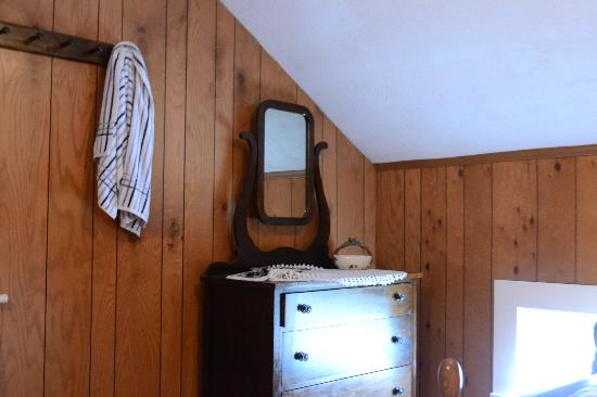 Adirondack Pines B&B and Vacation Rentals Picture