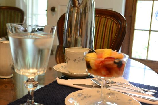 Adirondack Pines B&B and Vacation Rentals : Course 1 of breakfast