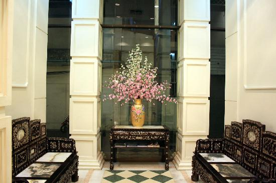 Ecotel Bangkok: waiting area
