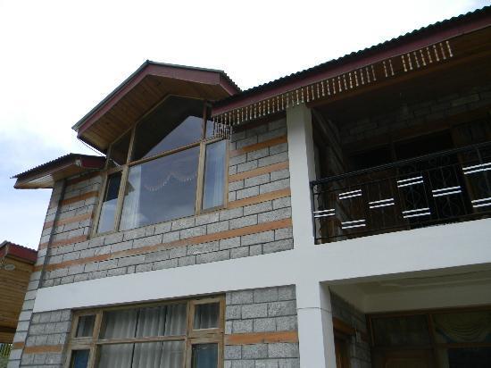 Apple Bud Cottages: balcony