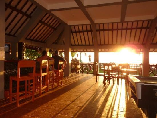Damai Bungalows: sunsets from the common area