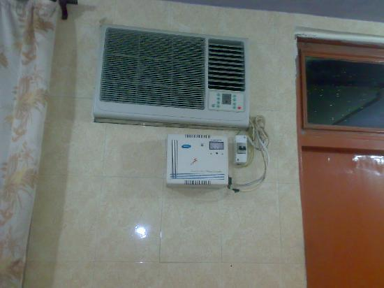 Bindal Guest House: A/C OR NON A/C ROOM