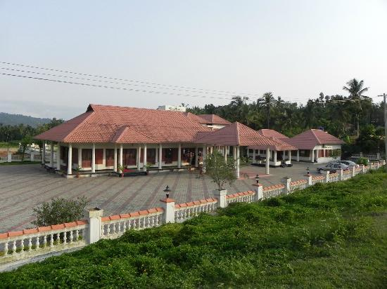 KTDC Pepper Grove Hotel: Frontal view of the hotel