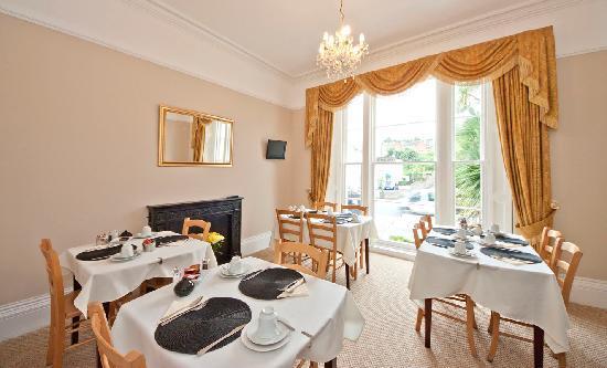 Riviera Nights Guest House: Breakfast Room