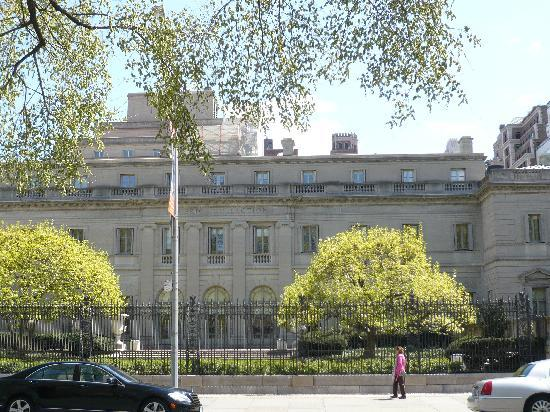 The Frick Collection : Frick Collection - Blick von 5th Avenue