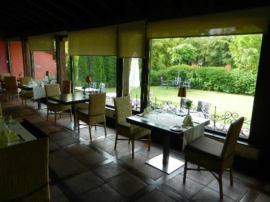 Hotel Churrut: Mesas del restaurante