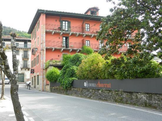 Hotel Churrut: Exterior