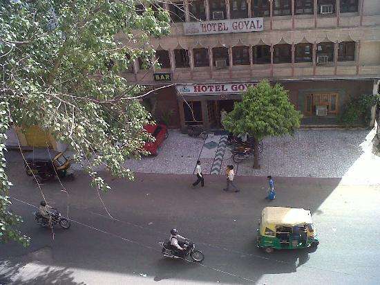 Hotel Shalimar: outside view