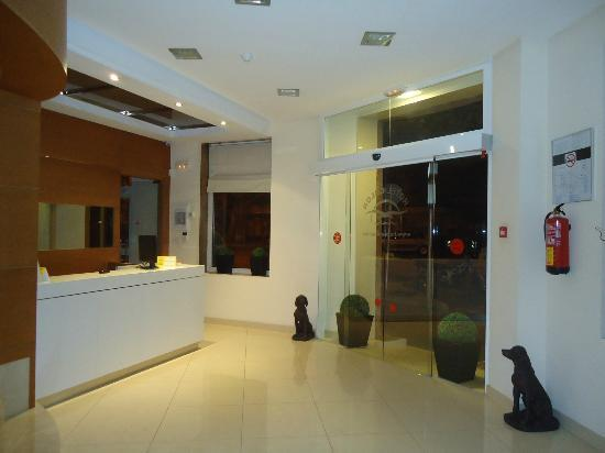Hotel Colon Palma: Recepción 24h. (Hotel Colón)