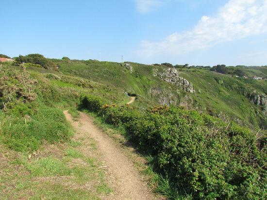 Blue Horizon Hotel: cliff top walk