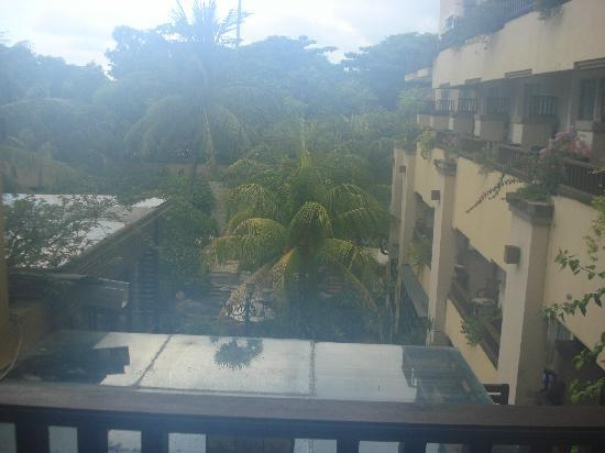 Kuta Paradiso Hotel: Room with a pool view?????