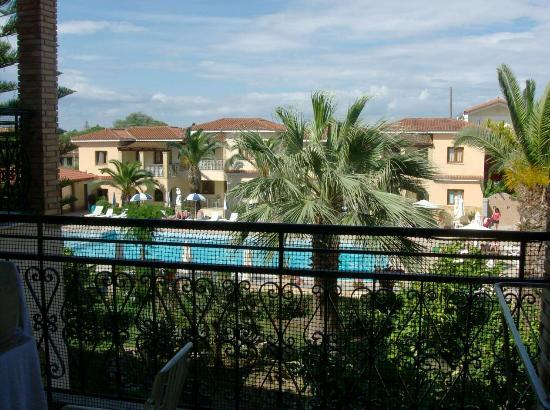 From balcony picture of st denis apartments tsilivi for The balcony zante
