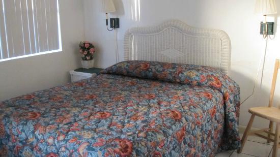Oceanfront Paradise Resort: Bedroom