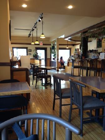 Wild Hare Bistro and Coffeehouse: Interior of Wild Hare