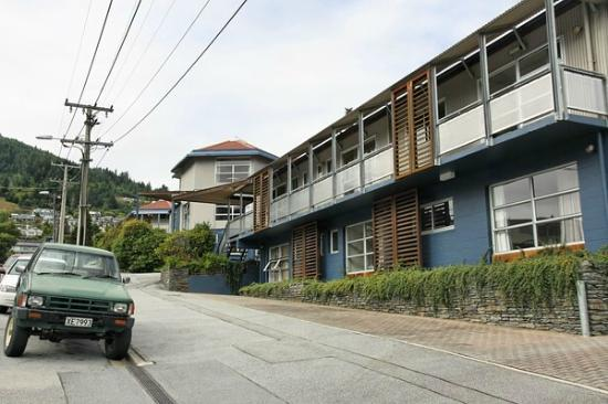 Blue Peaks Lodge: The Hotel