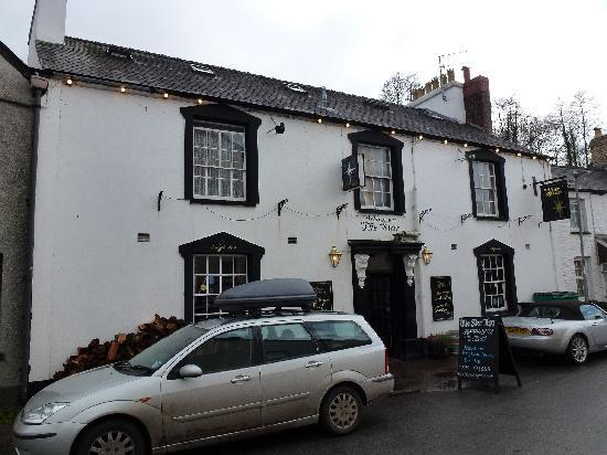 The Star Inn: front of inn