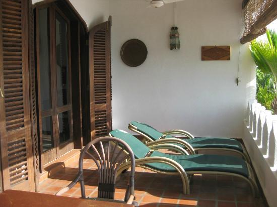 Tamarind Village Apartments: On the veranda