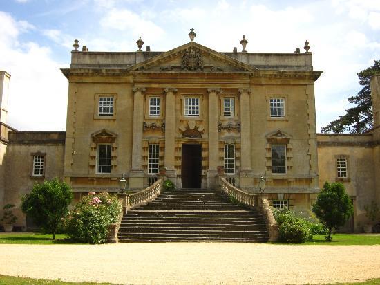 Frampton Court: enter a perfect slice of English elegance