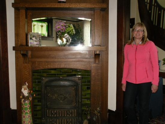 Fisher House Bed and Breakfast: Beautiful fireplace!
