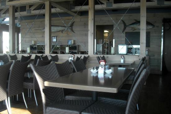 Pier House at Second Avenue Pier: Inside the restaurant