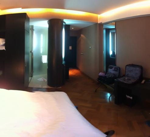 NH Buenos Aires Crillon: baño integrado en la habitación