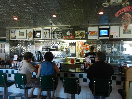 Moonlight Diner: 50's Diner Counter
