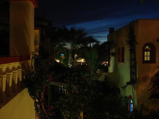 Palm Bay Hotel : In the evening
