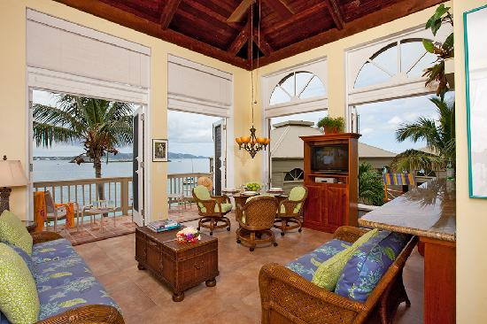 Gallows Point Resort: Open windows to the breezes