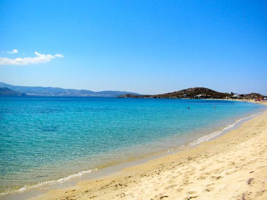 ليانا هوتل: Beach across from the hotel is AMAZING!